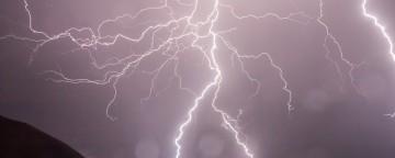 ¿Sabías que Alaba y adora a Dios en medio de la tormenta es realmente tu cura?